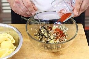 Muszle zapiekane w sosie serowym  – krok 3