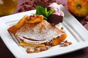 Naleśniki z cynamonowymi jabłkami
