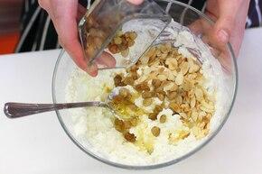 Naleśniki z serem i rodzynkami – krok 3