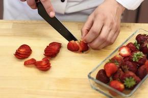 Pancakes z truskawkami – krok 3