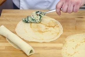 Naleśniki z kozim serem i szpinakiem – krok 4