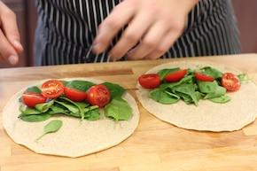 Naleśniki z warzywami i jogurtem naturalnym – krok 4
