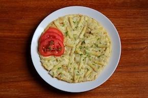 Omlet z białymi szparagami