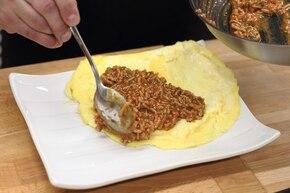 Omlet z mięsem mielonym – krok 5