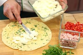 Omlet z szynką i rukolą – krok 3