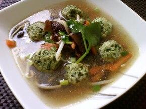 Orientalna zupka z mięsno szpinakowymi pulpecikami