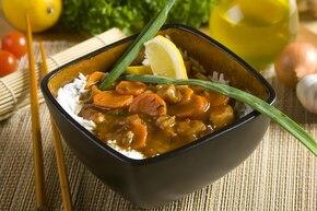 Orientalny kurczak w sosie orzeszkowym