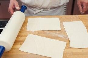 Parówki w cieście francuskim z warzywami – krok 1
