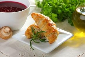 Paszteciki z pieczarkami i serem pleśniowym