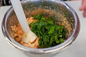 Pasztet ze szpinaku z łososiem – krok 3