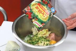 Pieczeń rzymska z serem pleśniowym – krok 3