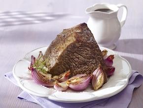 Pieczeń wołowa z sosem