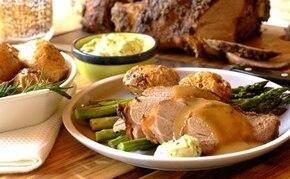 Pieczona baranina z ziemniakami