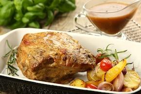 Pieczona karkówka w sosie rozmarynowym