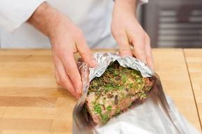 Pieczona karkówka z grzybowym aromatem – krok 3