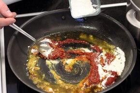 Pieczona karkówka z sosem cebulowym  – krok 2