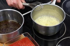 Pieczona noga jagnięca z warzywami i pomidorowo-grzybowym sosem – krok 4