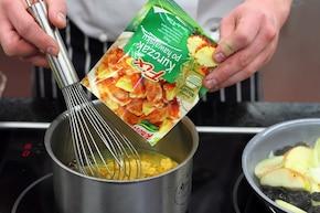 Pieczona szynka z jabłkami – krok 3