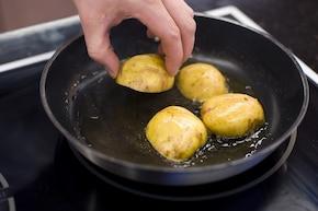Pieczone angielskie ziemniaki – krok 2