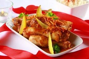 Pieczone udka kurczaka glazurowane owocami