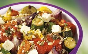 Pieczone warzywa z serem feta i pestkami dyni