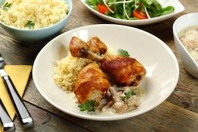 Pieczone udka z  kurczaka z sosem kurkowym