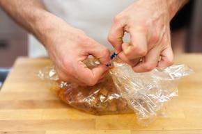 Pieczony schab z sosem myśliwskim – krok 2
