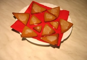 Piernikowe trójkąciki w lukrze