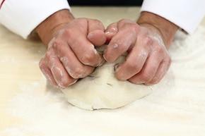 Pierogi z mięsem mielonym – krok 1