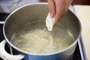 Pierogi z soją i grzybami – krok 7