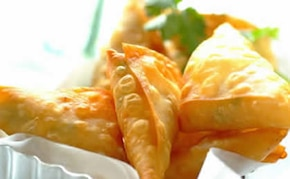 Pierożki Samosa ze słodko kwaśną kukurydzą