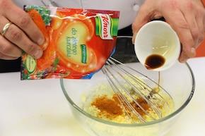 Pierś kurczaka z orzechami włoskimi – krok 1