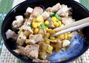 Pierś z kurczaka z ananasem i kukurydzą