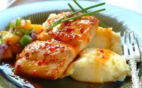 Ryba z brzoskwiniami