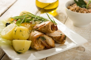 Pikantne roladki z kurczaka ze sliwka i oscypkiem