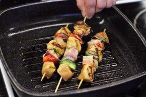 Pikantne szaszłyki z kurczaka z warzywami  – krok 4