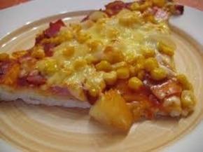 pizza hawajska na chrupiącym cieście