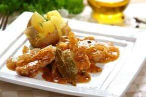 Polędwiczki duszone z cebulą i musztardą - VIDEO