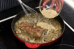 Polędwiczki wieprzowe w sosie pieczarkowym – krok 4