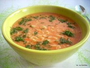 Pomidorowa czosnkowa na gęsto, z makaronem drobnym