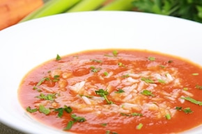 Pomidorowa zupa krem z makaronem