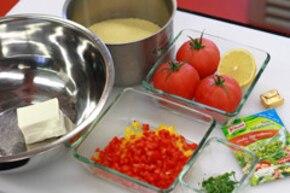 Pomidory faszerowane kaszą kuskus i serem feta – krok 1