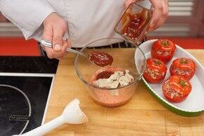 Pomidory faszerowane  – krok 3
