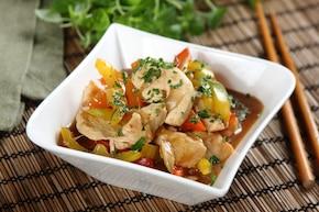 Potrawka z kurczaka z kolorową papryką