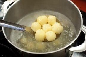 Pyzy z ziemniakami i twarogiem  – krok 4