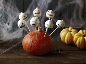 Halloweenowe cake pops - ciastka na patyku