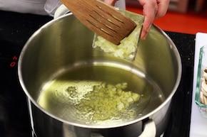Risotto z pieczarkami i majerankiem – krok 1