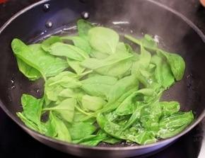 Risotto ze szpinakiem – krok 1
