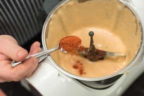 Rolada pomidorowa z ziołowym serkiem – krok 1