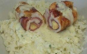 Roladki drobiowe z sosem serowym